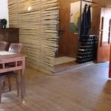 Ferienhaus, 2Schlafzimmer, Poolblick (Elephant) - Essbereich im Zimmer