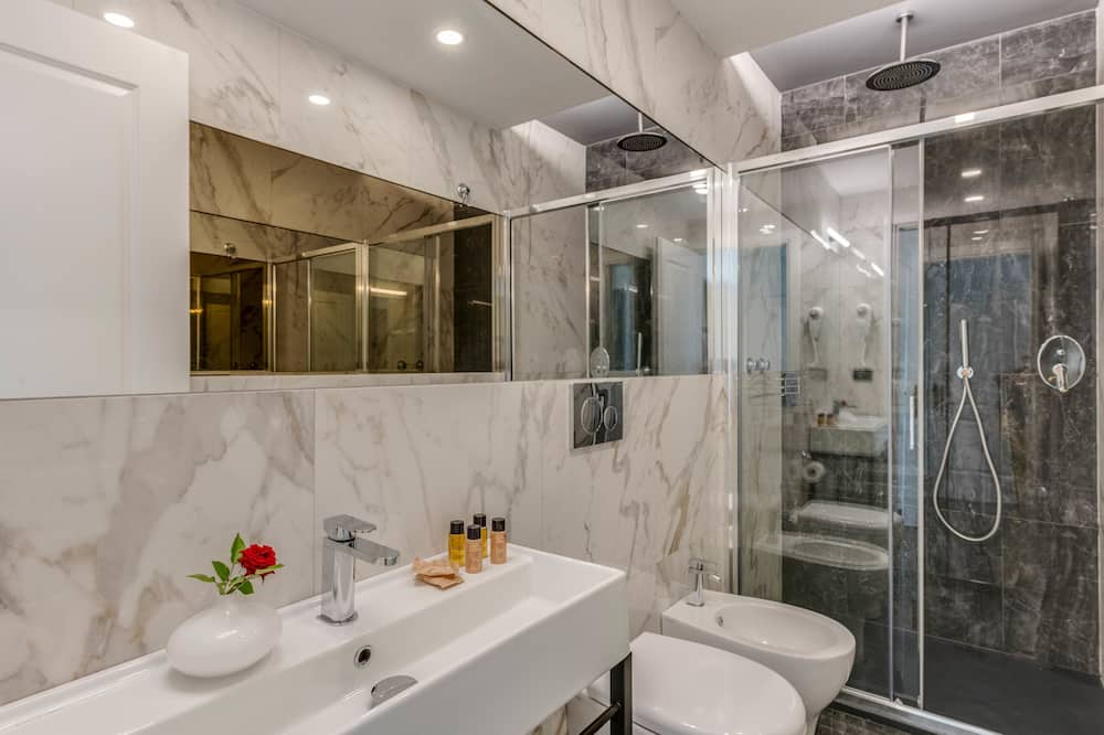 Standard Double Room, Annex Building (150 mt from reception) - Bathroom