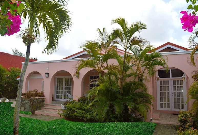 Beachcross Villa Apartments, Gros Islet, Property entrance