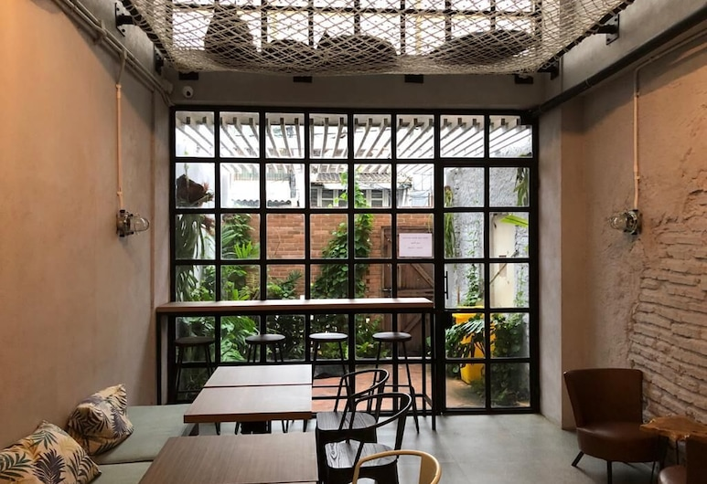 The Packer Lodge - Hostel, Jakarta, Bar de l'hôtel