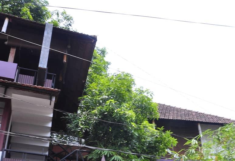 The Mango Tree Inn, Kochi
