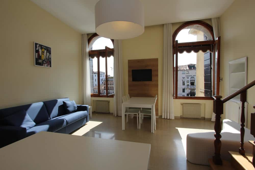 Apartment, 1 Bedroom, Canal View - Living Room