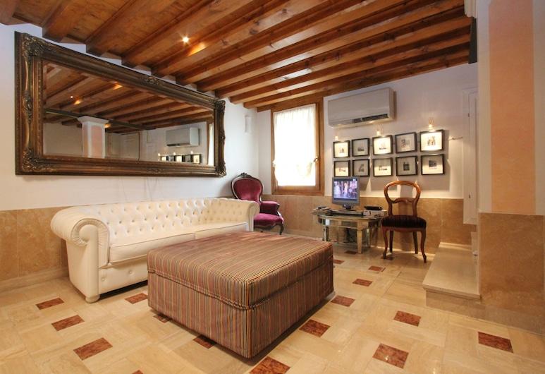 City Apartments - Leonardo, Venice, Apartment, 1 Bedroom (Apt. Prince - Cannaregio 2482), Living Area