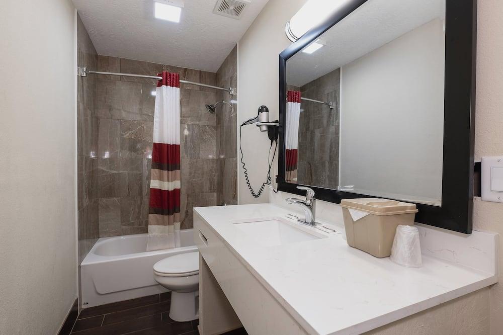 ห้องดีลักซ์, ปลอดบุหรี่ (2 Full Beds) - ห้องน้ำ