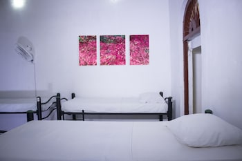 Choose This Cheap Hotel in Cartagena