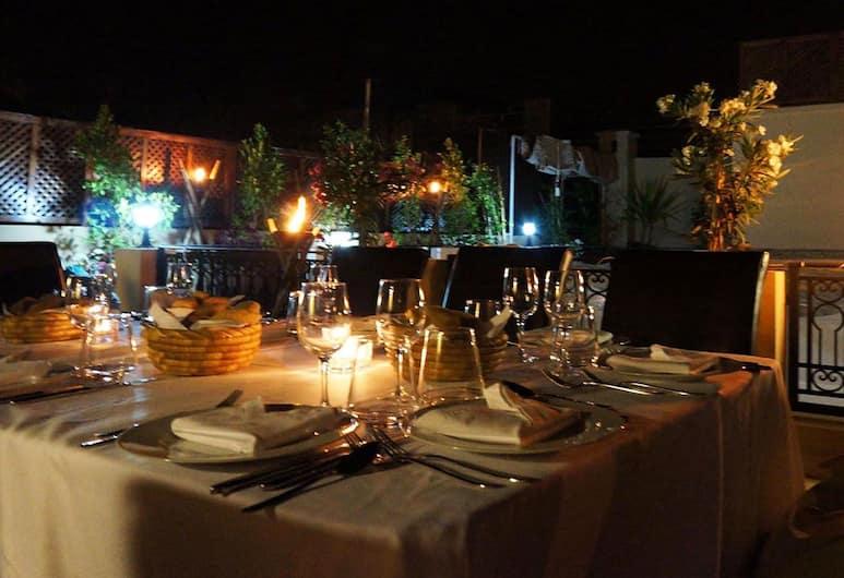 Riad Shanima & Spa, Marrakech, Obiekty restauracyjne na zewnątrz