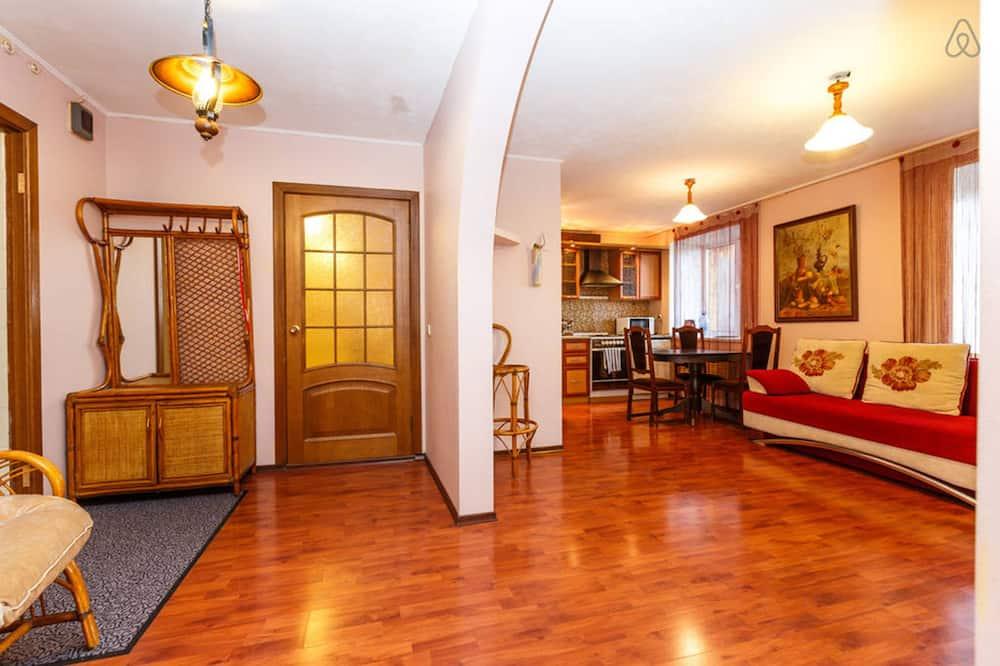 Apartment, 2 Bedrooms, Balcony - Living Area