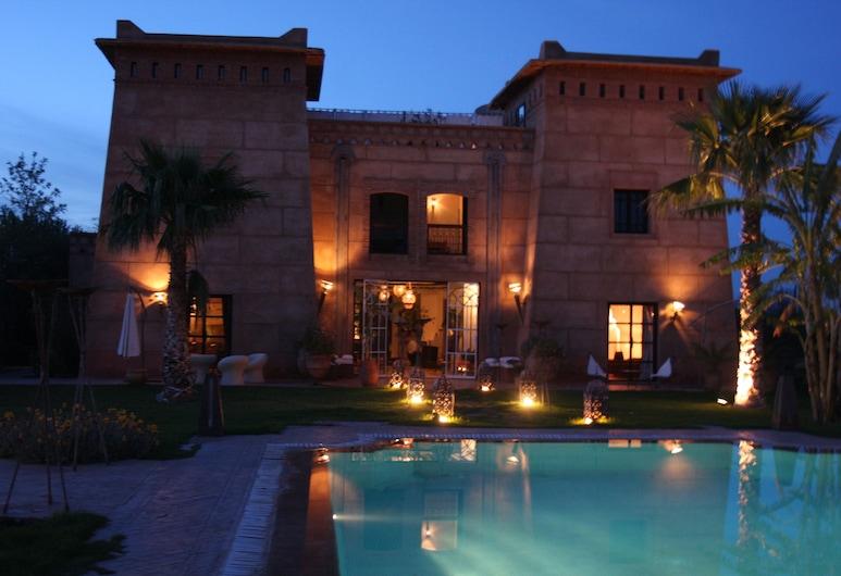 Villa Catherine of Marrakech, Sidi Abdallah Ghiat, Piscina al aire libre