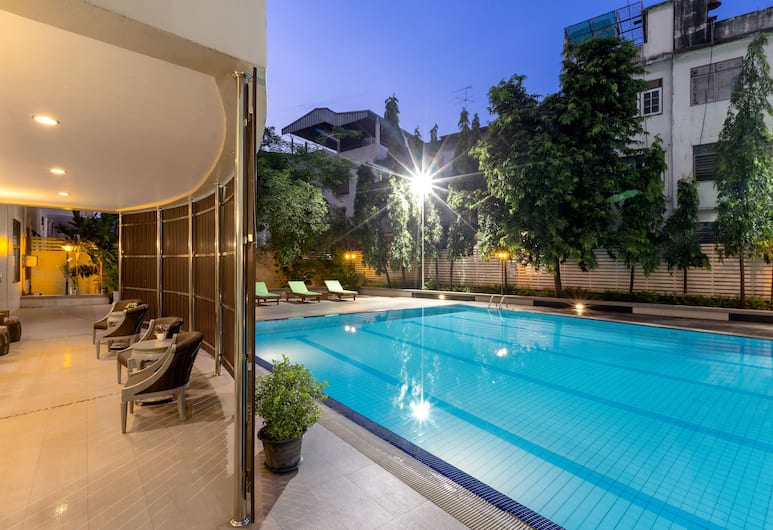 Rompo Mansion, Bangkok, Venkovní bazén