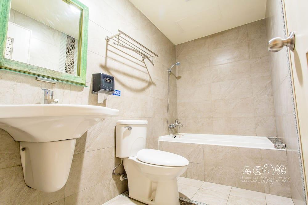 Quadruple Room, Tower - Bathroom