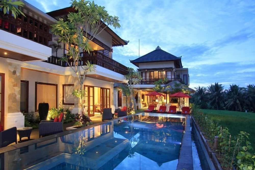 4 Bedroom Villa with Private Pool - Terrace/Patio