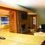 House, 5 Bedrooms, Kitchen, Mountain View - Living Area