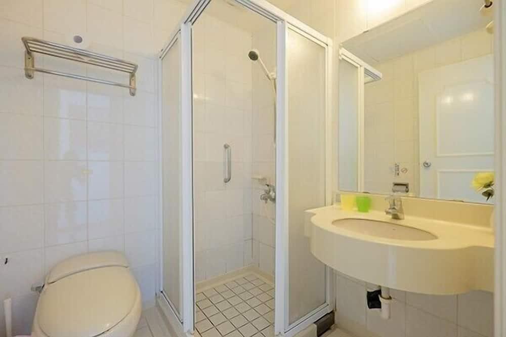 Dvojlôžková izba (Street View) - Kúpeľňa