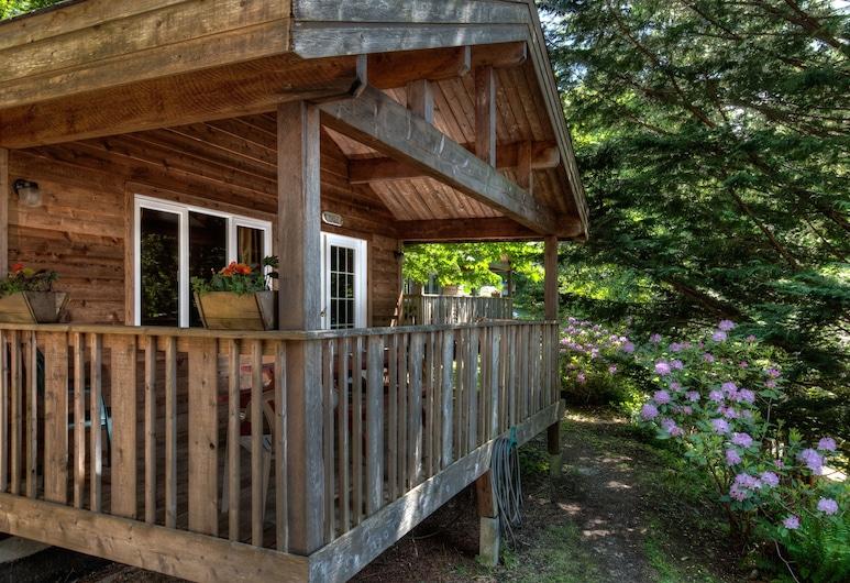 Heriot Bay Inn, Quadra Island, Cabin, 2 Bedrooms, Terrace/Patio