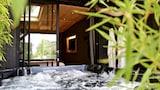 Jouey hotels,Jouey accommodatie, online Jouey hotel-reserveringen