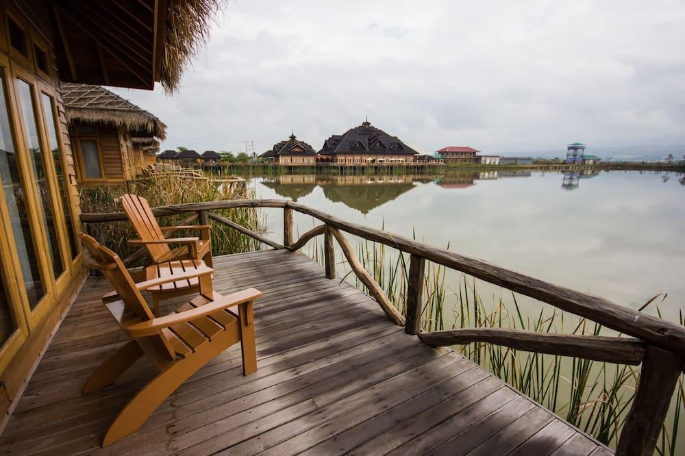 Lake View Villa - Balcony