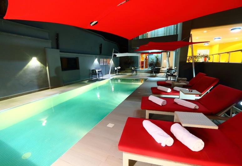 非倫海特洛夫飯店, 拉各斯, 游泳池