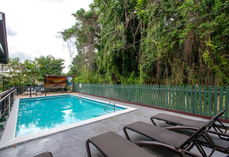 Pineapple Court Hotel, Ocho Rios, Outdoor Pool