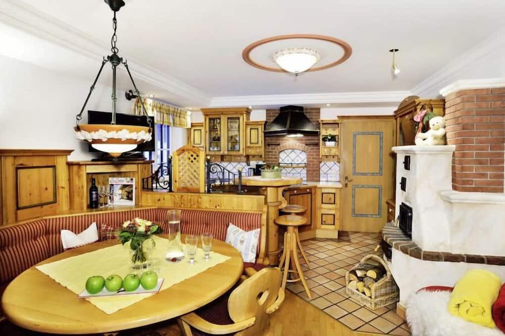 Apartemen Superior, 2 kamar tidur - Tempat Makan Di Kamar