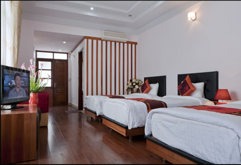 Urban Alley Hotel, Hanoi, Deluxe Triple Room, City View, Guest Room