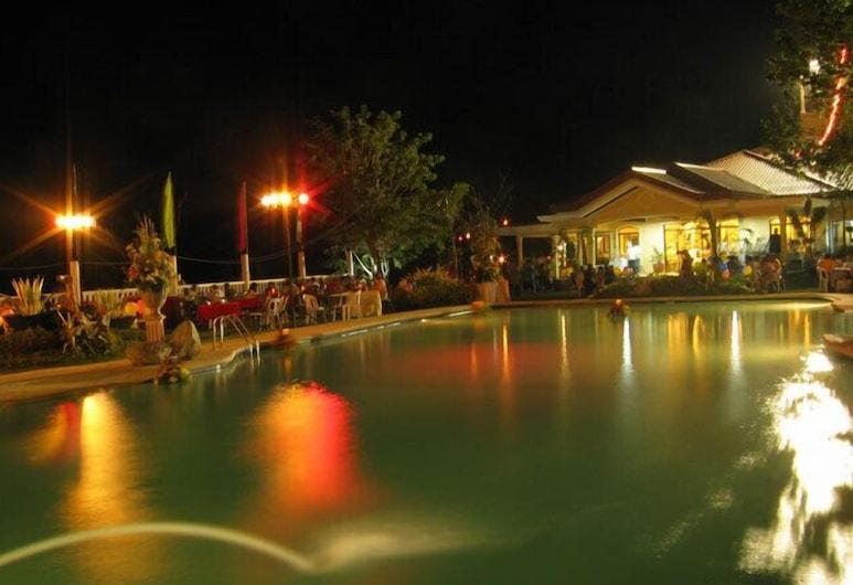 Camiguin Highland Resort, Mambajao, Piscina al aire libre