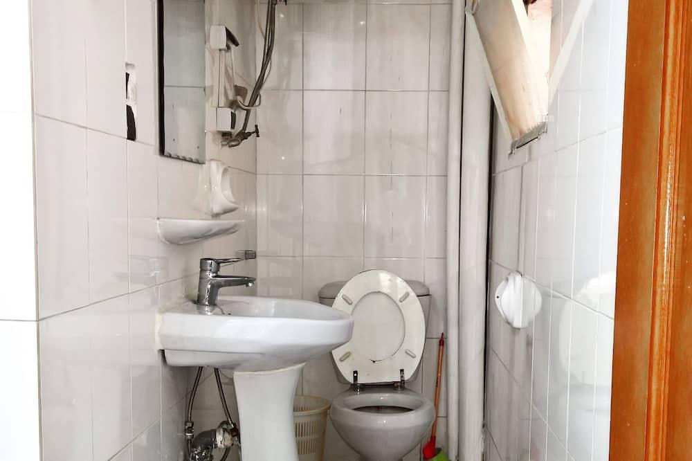 Superior Twin Room, 2 Single Beds, Refrigerator - Bathroom