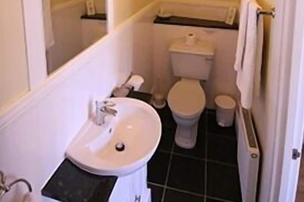Familienzimmer, mit Bad, Erdgeschoss - Badezimmer