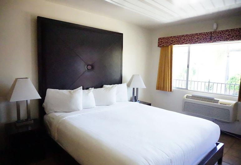 Casa Bella Inn, Los Angeles, Basic Room, 1 King Bed, Guest Room View