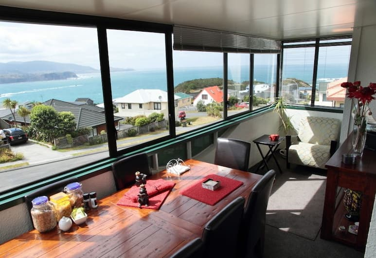 Pacific View Bed and Breakfast, Wellington, Breakfast Area