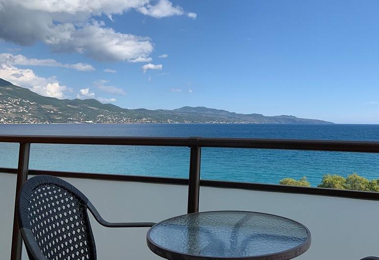 Hotel Flisvos, Kalamata, Terrace/Patio