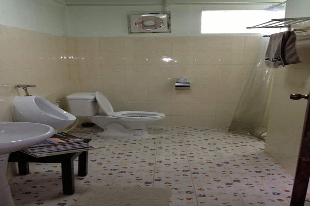 Standard Twin - Shared Bathroom - 浴室