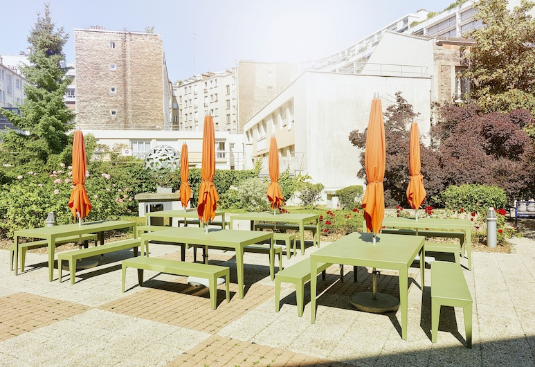 FIAP - Hostel, Paris, Outdoor Dining