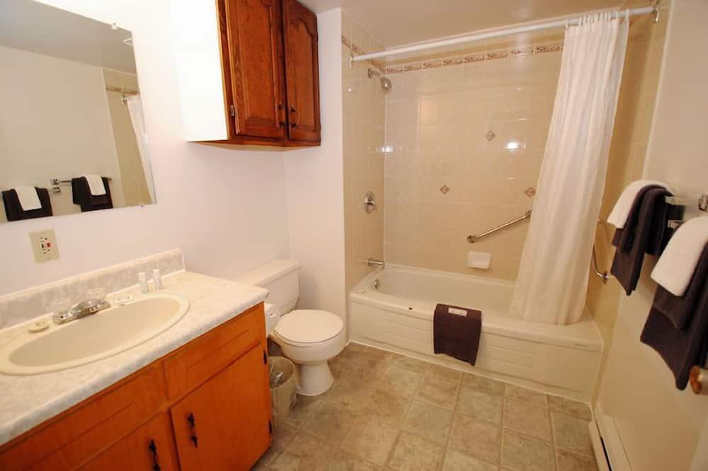 Soba, 2 bračna kreveta - Kupaonica