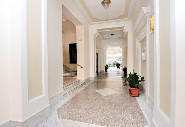 幸運多莫斯飯店, 羅馬, 大廳