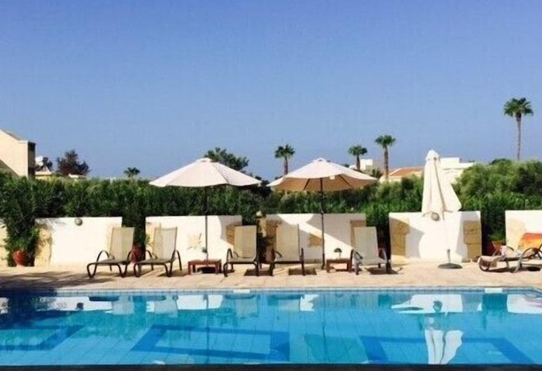 Angela Holiday Apartments, Paphos, Alberca al aire libre