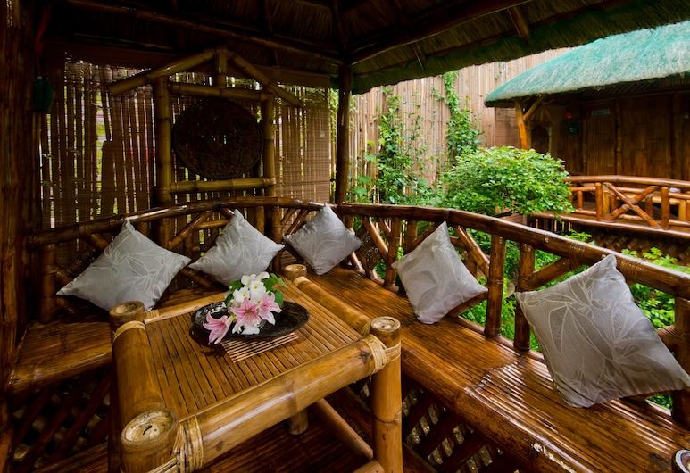 Blessie's Bed & Breakfast, Puerto Princesa, Single Detached Bamboo Hut, Terrasse/Patio