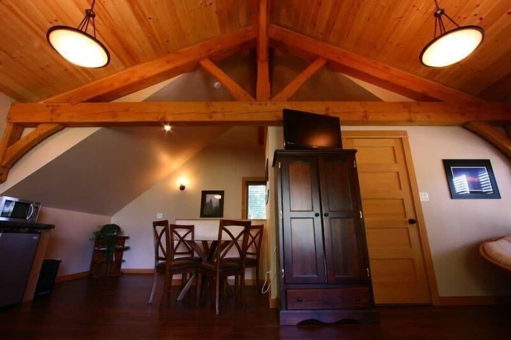 Premium loft, 1 spavaća soba, pogled na planinu - Obroci u sobi