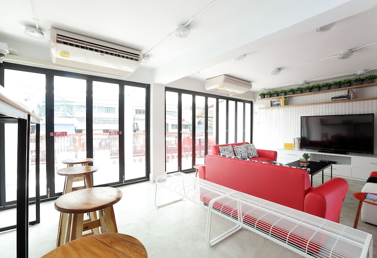 Smile Inn, Bangkok, Sitzecke in der Lobby