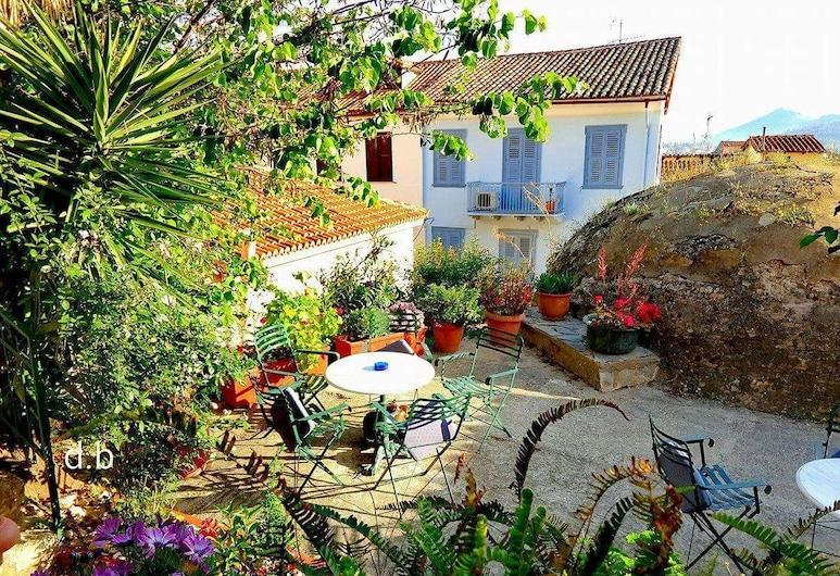 拜倫飯店, Nafplio, 花園