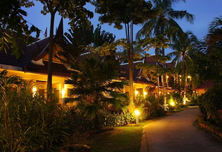 布吉府棕櫚村酒店, 拉威, 住宿範圍