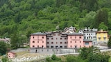 Book this Parking available Hotel in Ponte di Legno