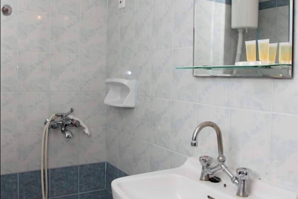 Standardzimmer, Stadtblick - Badezimmer