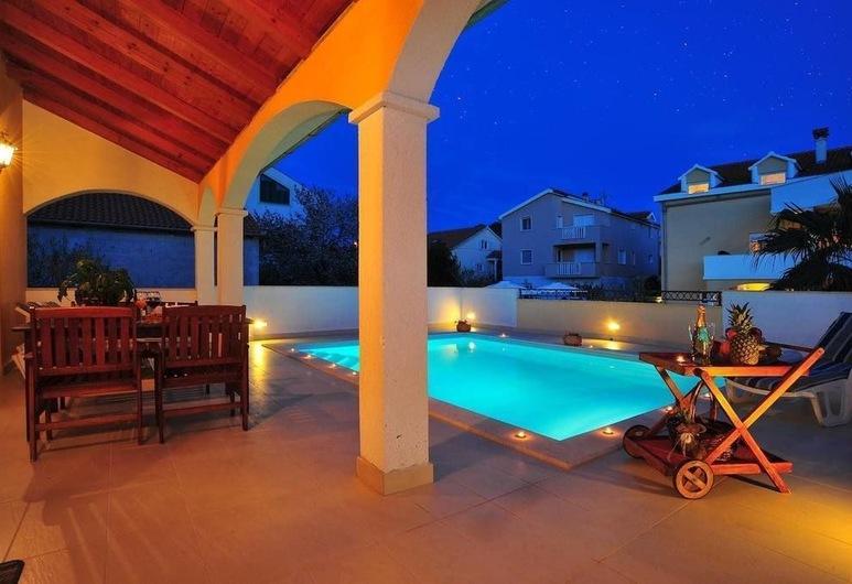 Villa Vanilla, Zadar, Appartement Luxe, 2 chambres, piscine privée, vue piscine, Vue depuis le balcon
