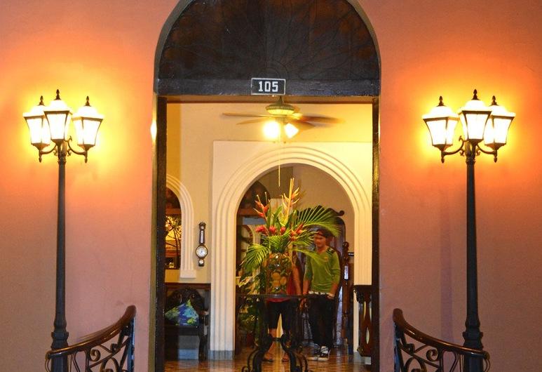 Hotel Los Balcones Leon, เลออน, ทางเข้าโรงแรม