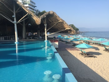 Enter your dates to get the Puerto Vallarta hotel deal
