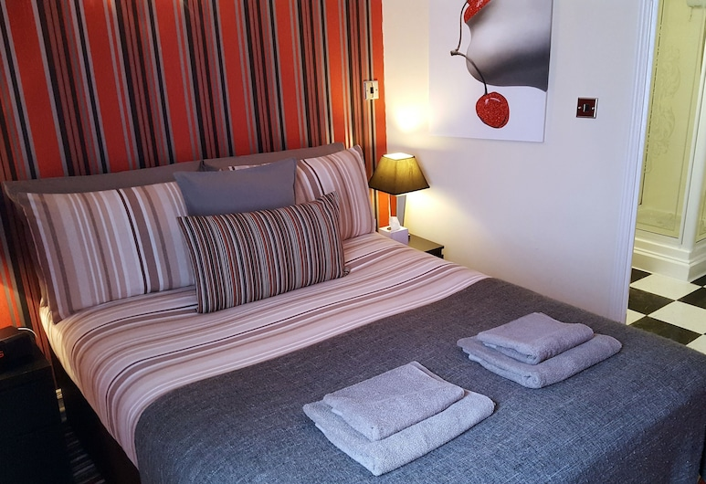 Robin 7 Lodge City Centre, Nottingham, Deluxe Double Room, Ensuite (Cherry Room), Guest Room