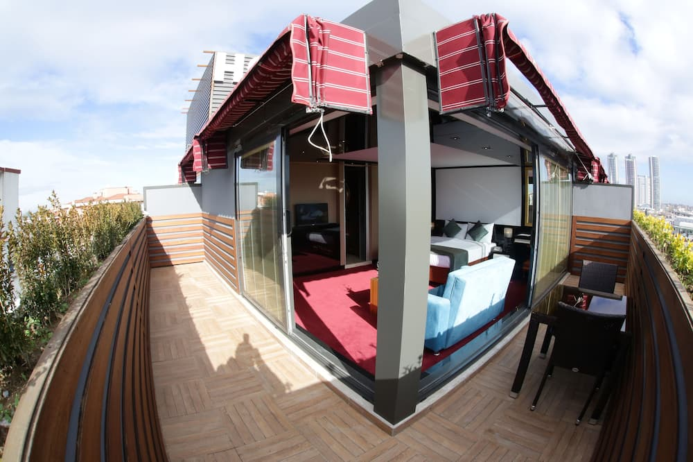 Executive King Suite with Hot tub - Balcony