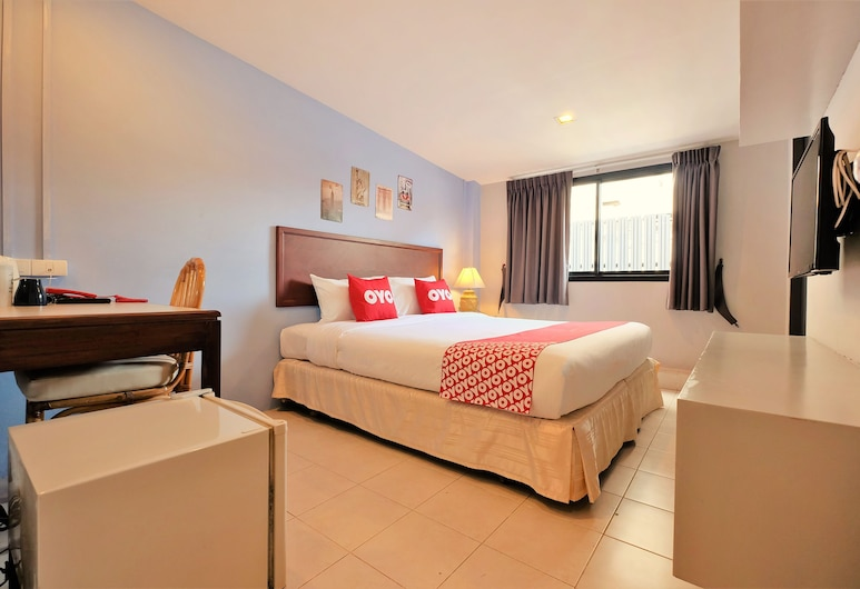OYO 501 At Night Hostel, Phuket, Classic Double Room, Shared Bathroom, Guest Room