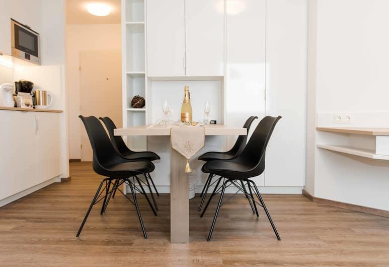 Schoenbrunn Design by welcome2vienna, Vīne, Dzīvokļnumurs, virtuve, skats uz pilsētu (Cleaning Fee Included), Dzīvojamā zona