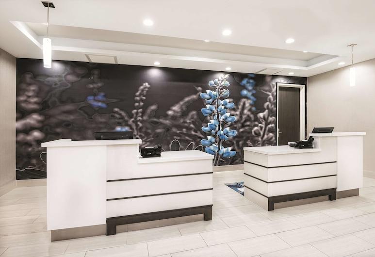 La Quinta Inn & Suites by Wyndham Odessa N. - Sienna Tower, Odessa, Lobby